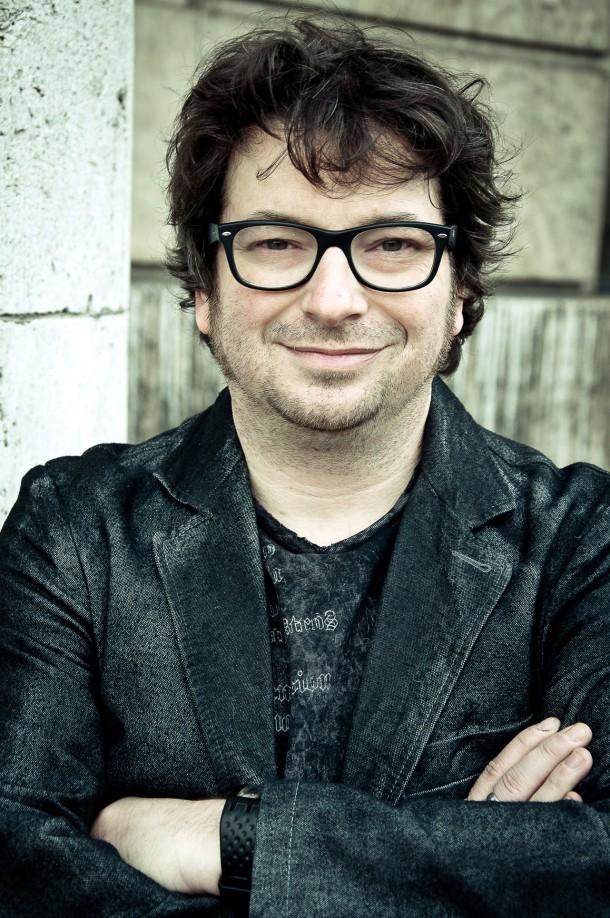 """Thomas Hermanns' Quatsch Comedy Club präsentiert – Hennes Bender  """"Klein/Laut"""""""