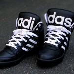 2013. aasta parimad tossud - Jeremy Scott x Adidas Originals JS Instinct Hi - must-valge (+ ingliskeelne versioon)