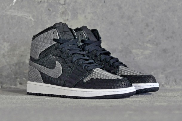"Die coolsten Sneaker des Jahres 2013 – Air Jordan 1 ""Shadow Python"" by JBF Customs (+English version)"