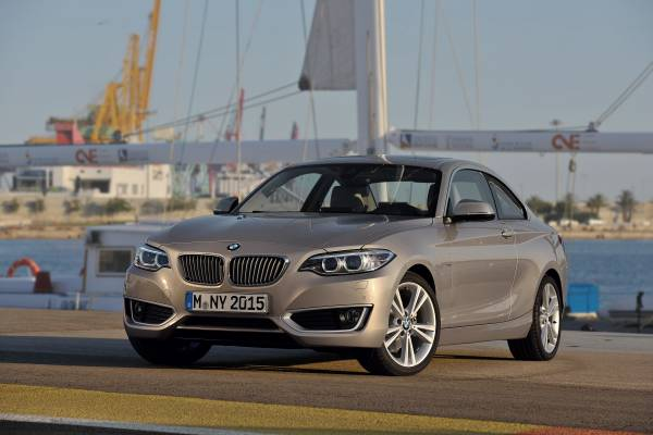 P90137604-the-new-bmw-2-series-coupe-modern-line-10-2013-600px
