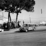 P90141923-paddy-hopkirk-henry-liddon-in-the-mini-cooper-at-the-rallye-monte-carlo-1964-01-2014-222px