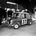 P90141926-paddy-hopkirk-henry-liddon-in-the-mini-cooper-at-the-rallye-monte-carlo-1964-01-2014-221px
