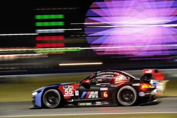 Nach zwölf Stunden: BMW Team RLL zur Halbzeit in Daytona weiter aussichtsreich im Rennen